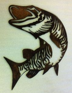 tattoo-hairline behind ear? Metal Artwork, Metal Wall Art, Wood Art, Plasma Cutter Art, Scroll Saw Patterns Free, Metal Fish, Fish Crafts, Wood Burning Patterns, Plasma Cutting
