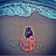Resultado de imagem para fotos na praia tumblr