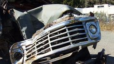 Two men jump from out of control truck after brakes fail on Vancouver Island. http://www.ctvnews.ca/video?clipId=562977&playlistId=1.2263277&binId=1.810401&playlistPageNum=1&binPageNum=1