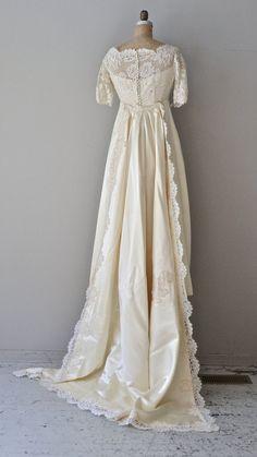Reign in Heaven gown vintage 1960s wedding dress by DearGolden