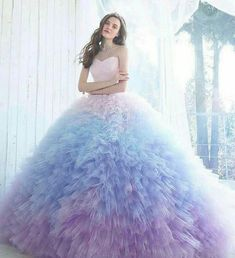 This dreamy pastel ombre gown from Kiyoko Hata is taking our breath away! - This dreamy pastel ombre gown from Kiyoko Hata is taking our breath away! Source by aylinramadani Dresses pastel Source by - Purple Quinceanera Dresses, Ombre Prom Dresses, Unique Prom Dresses, Pretty Dresses, Beautiful Dresses, Awesome Dresses, Quinceanera Party, Tulle Prom Dress, Elegant Dresses