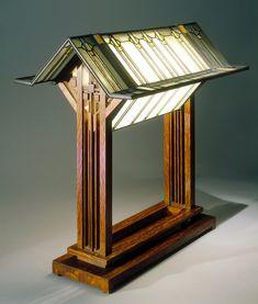 George M. Niedecken table lamp, design inspired by Frank Lloyd Wright.