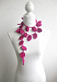 Crochet lariat scarf with Leaves in Magenta by Iovelycrochet