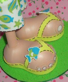 Fofucha surfera detalle sandalias