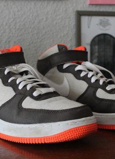 Kaufe meinen Artikel bei #Kleiderkreisel http://www.kleiderkreisel.de/damenschuhe/turnschuhe/115475498-nike-air-force-grau-orange
