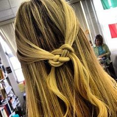 Good Ideas For You | How to tie a Pretzel Knot in Hair