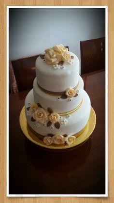 Torta fondant 50 aniversario bodas de oro.