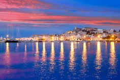 IBIZA Preparatevi all'estate. Prenotate le vostre vacanze nell'Isola più trasgressiva delle Baleari. Offerte low cost per pacchetti vacanze (volo+hotel) nei prossimi mesi qui: http://vacanze.volagratis.com/offerte/vacanze/ibiza?utm_source=pinterest_medium=post_vacanze_campaign=66_IBI_source=PIIT_content=Offerta_IBI