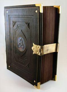 Book of Kings by MilleCuirs.deviantart.com on @deviantART
