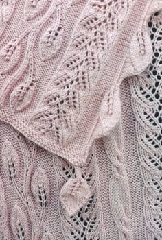 Sivia Harding--Twining Vine Afghan-pattern to buy Lace Knitting, Knitting Stitches, Knit Crochet, Knitted Afghans, Knitted Blankets, Stitch Patterns, Knitting Patterns, Knitting Designs, Shawl