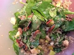 Quinoa spinach pear salad with roasted pecans and maple vinegarette, delicious!!