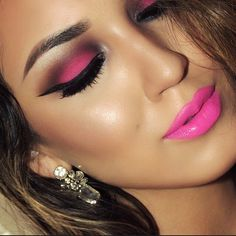 recreate with naked 3 palette and naked electric palette?