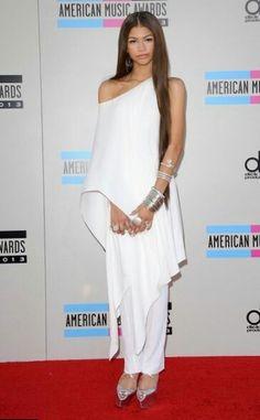 One Shoulder, Shoulder Dress, Zendaya Coleman, American, Formal Dresses, Fashion, Dresses For Formal, Moda, Formal Gowns