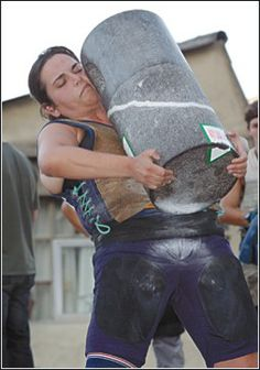 Basque rural sports, known as Herri Kirolak in Basque, is the term used for a… Prison Workout, Asturian, Highland Games, Brave Women, Basque Country, My Heritage, People Of The World, Powerlifting, Madrid