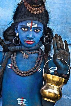 India, Rajasthan, Pushkar, blue boy dressed as the Hindu god Shiva during the Pushkar Camel Fair |  credit - Glen Allison