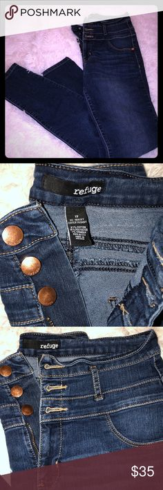 Dark blue jeans Copper/bronze detail- tan accent stitching 3 buttons hi-waisted Pants Skinny Dark Blue Jeans, Stitching, Denim Shorts, Pants For Women, Copper, Bronze, Buttons, Skinny, Detail