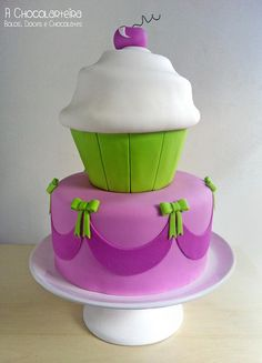 Cupcake by A CHOCOLARTEIRA, via Flickr