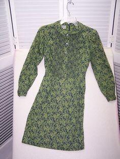 Vintage 1960 S The Villager Green Fl Shirtwaist Dress Pin Tucks Size 8 Xs