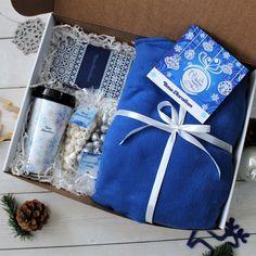 Корпоративный подарок Зимние мотивы - #Зимние #Корпоративный #мотивы #подарок Gifts For Husband, Gifts For Boys, Gifts For Friends, Gifts For Him, Homemade Gift Boxes, Diy Gift Box, Gift Box For Men, Gift Baskets For Men, Cute Birthday Gift