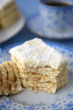 Rafaello cake with eggnog without baking - Rafaello cake with eggnog without baking – instead of eggnog milk girls or Batida de Coco - Easy Cake Recipes, Sweet Recipes, Baking Recipes, Dessert Recipes, Sweet Cakes, Chocolate Recipes, No Bake Cake, Love Food, Food And Drink
