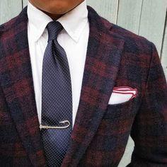 Men's Tie Inspiration I recently bought my. Modern Gentleman, Gentleman Style, Mens Fashion Blog, Fashion Outfits, Men's Fashion, Looks Style, Men's Style, Suit Accessories, Classy Men