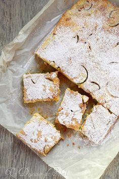 Scarpaccia viareggina gâteau sucrée aux courgettes typique de la Toscane