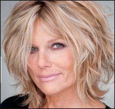 patti hansen love the messy hair | 50 | Hair | Pinterest ... | Einfache Frisuren