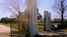 Haunted tales from the grave: Chicago's Resurrection Cemetery