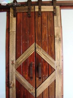 #Barn, #Closet, #DiyPalletProjects, #Entryway, #GarageDoor, #PalletBarnDoor, #PalletDoor, #RecyclingWoodPallets, #Shed, #SlidingDoor I wanted to make a set of sliding doors for the closet in this room because the bed is so far over that it gets in the way of opening the closet door. The perfect solution was to create a pair of Sliding Pallet Barn Doors! And with a Stanley