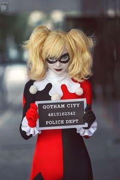 I generally find cosplay kinda kooky, but that's a damn fine Harley Quinn.