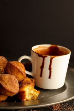 European Hot Chocolate (Ingredients: Whole Milk, Cornstarch, Dark Chocolate Chips, Milk Chocolate Chips, Cinnamon & Salt.) and Churro Muffins l The Collaboreat Hot Chocolate Ingredients, Hot Chocolate Recipes, Frozen Hot Chocolate, How To Make Drinks, Dark Chocolate Chips, Churros, Smoothies, Nom Nom, Delish