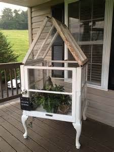 Crafts With Old Windows - I'm going to build this, it's so darn cute!