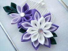 Handmade Kanzashi fabric flower hair comb by MARIASFLOWERPOWER