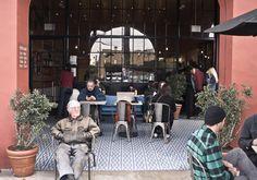 Intelligentsia Coffee Silverlake- Where Silverlake residents get their F-I-X