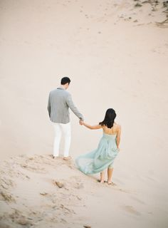 Beach anniversary session: http://www.stylemepretty.com/michigan-weddings/south-manitou-island/2015/04/22/south-manitou-island-anniversary-session/ | Photography: Cory Weber - http://www.weber-photography.com/