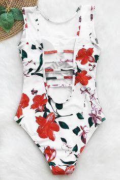 Shop stylish women's swimwear at FABKINI & find tankinis, bikinis, one-piece swimsuits, monokinis & more. Modest Swimsuits, Cute Swimsuits, Cute Bikinis, Women Swimsuits, Summer Bathing Suits, Cute Bathing Suits, Short Outfits, Summer Outfits, Bikini Swimwear