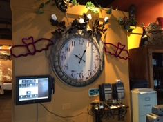 It's Fall in Ciao Bella! #happyhalloween #October #Spider #clock