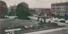 1885 , uitzicht op station schiedam gezien vanaf hoek Overschiesestraat, rechts de Singel nabij de Oosterstraat. Link naar meer foto's van omgeving de Oosterstraat