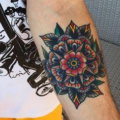 No photo description available. Forearm Cover Up Tattoos, Elbow Tattoos, Dope Tattoos, Arm Band Tattoo, Body Art Tattoos, Tattoos For Guys, Awesome Tattoos, Tatoos, Mandala Flower Tattoos