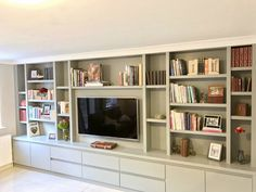 Wall to wall entertainment unit - Diy Möbel Tv Bookcase, Bookshelves With Tv, Built In Shelves Living Room, Built In Wall Units, Living Room Bookcase, Living Room Wall Units, Living Room Storage, Home Living Room, Living Room Designs