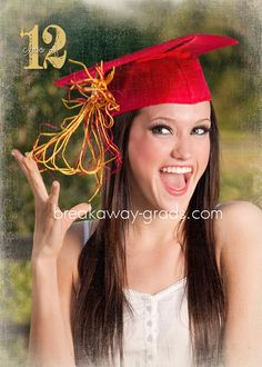 Pic ideas(just a fun pic) College Senior Pictures, Girl Senior Pictures, Grad Pics, Graduation Pictures, Graduation Ideas, Senior Girl Poses, Senior Girls, Cap And Gown Pictures, Brooklyn