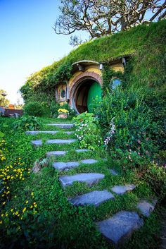 THE HOBBIT ~The Shire ~ Green Dragon Pub, Hobbiton, Matamata, New Zealand.