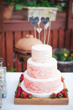 Pink-lined cake with heart cake toppers Pretty Wedding Cakes, Wedding Sweets, Wedding Cake Designs, Pretty Cakes, Beautiful Cakes, Cake Photography, Wedding Cake Inspiration, Creative Cakes, Let Them Eat Cake