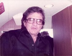 Johnny Cash On the Bus, late Johnny Cash June Carter, Johnny And June, Great Love Stories, Love Story, Country Singers, Country Music, Johnny Cash Museum, Musica Country, Music Artists