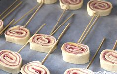 Cold Meat Pinwheel on a Stick Buffet, Strawberry Cream Cakes, Puff Pastry Recipes, Christmas Desserts, Love Food, Food And Drink, Cooking Recipes, Yummy Food, Favorite Recipes