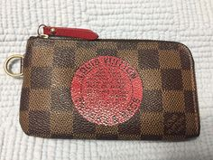LOUIS VUITTON Damier Ebene Limited Edition Trunks & Bags Keychain and card case. I used to carry this with my ID, a couple of credit cards and some cash and I don't have to carry a wallet. It is very convenient and I love it. | eBay!