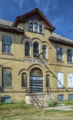 Abandoned school in Comstock, Minnesota