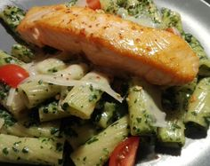 salmone and spinach pasta