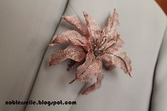titanyum nakışı çalışması Bead Jewellery, Jewelry Shop, Bridal Bands, Brazilian Embroidery, British Museum, Handmade Flowers, Pretty Flowers, Crochet, Hair And Nails