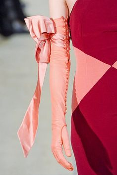 Alexis Mabille 2011 ~ Coral satin, full length gloves with a flirtatious bow above the elbow. Look at all the buttons! Alexis Mabille, Couture Details, Fashion Details, Gloves Fashion, Fashion Accessories, Fashion Boots, Little Presents, Vintage Gloves, Fru Fru